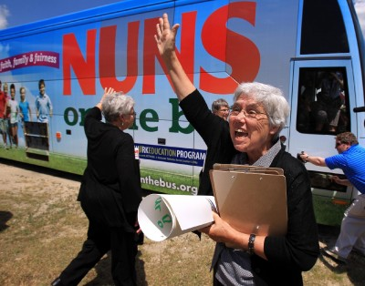 chi-quinn-to-meet-with-nuns-on-bus-20140925.md.jpg